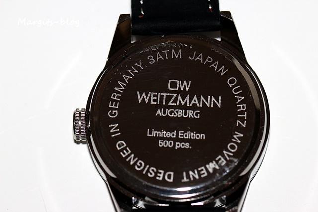 36b18eae2c1146 Dieser sportliche Alleskönner ist erhältlich mit einem handgefertigten  Echtlederarmband samt farblich auf die Uhr abgestimmter